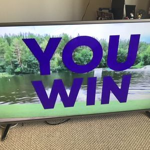 """60"""" LG LED HDTV, used only few months, great condition, comes with remote, power cord and cable wire for Sale in Chicago, IL"""
