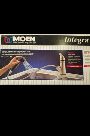 Moen kitchen faucet for Sale in Phoenix, AZ