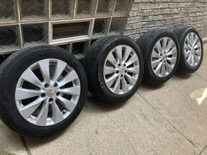 """4 Honda Accord OEM 17"""" Factory Rims and Tires 2013 - 2015 Model for Sale in Chicago, IL"""