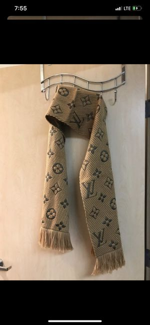 •LOW PRICE MOVING• $650 + TAX RETAIL LOUIS VUITTON SCARF for Sale in Bellevue, WA