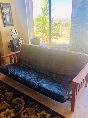 Futon couch, leather! for Sale in Lake Elsinore, CA