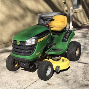 JOHN DEERE D105 TRACTOR 42 INCH RIDING LAWN MOWER for Sale in Clermont, FL