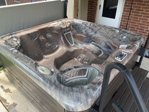Hot tub for Sale in Burleson, TX