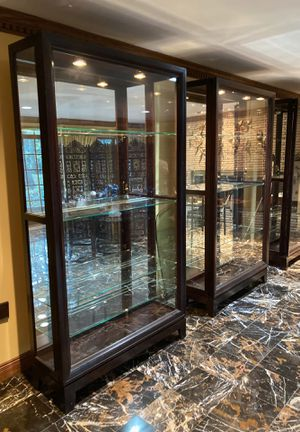 Glass Front China or Curio Cabinet for Sale in Franklin Lakes, NJ