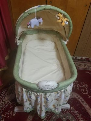 Baby crib and baby swing and step and play for Sale in Dundalk, MD