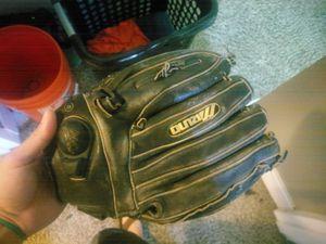 Softball glove. Mend med. Used for Sale in Denver, CO
