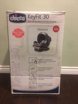 Chicco-keyfit30 rear- facing infant car seat and base for Sale in Anaheim, CA