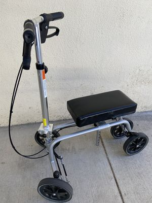 Knee and leg walker for Sale in Los Angeles, CA