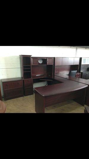 Executive u desk collection for Sale in Hialeah, FL