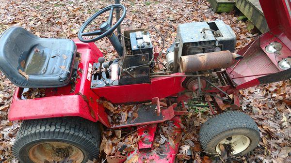 Wheel Horse Yard Tractor