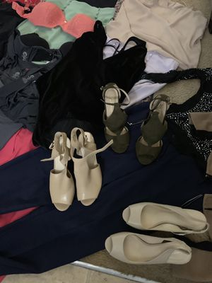 Woman's clothes size medium around 100 pieces Very good condition sale all together serius interesting for Sale in Norcross, GA