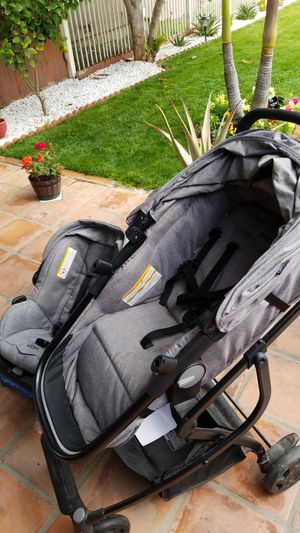 Baby car seat & stroller for Sale in Compton, CA