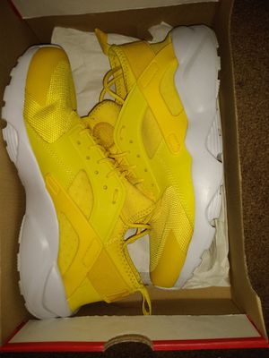 Nike Huarache size 9.5 for Sale in Ravenna, OH