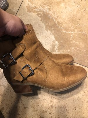 Women's boots size 8w for Sale in Riverview, FL