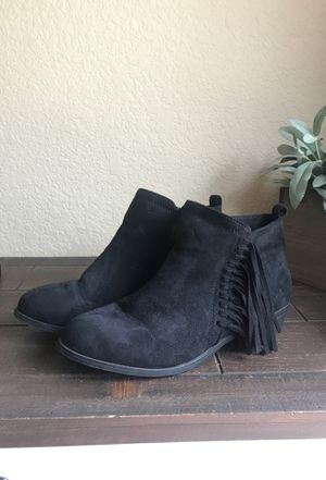 Black flat booties for Sale in Roosevelt, CA
