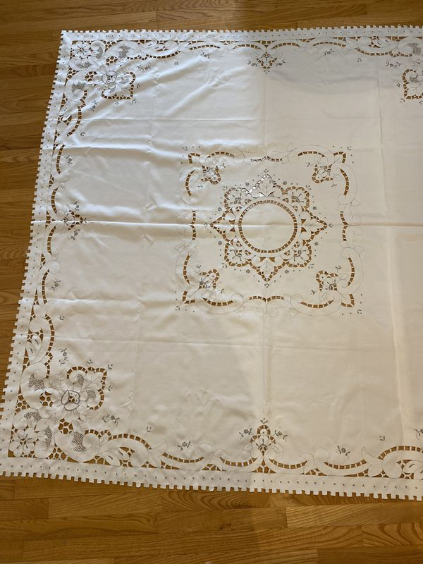 "Table cloth 69""x69"