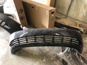 2001-2004 Chrysler town and country front bumper for Sale in Barrington, NJ