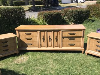 Dresser And Side Table Set for Sale in Fullerton,  CA