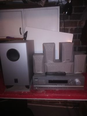 onkyo av receiver ht-r8230 with remote, 5 speakers plus powered subwoofer for Sale in Columbus, OH
