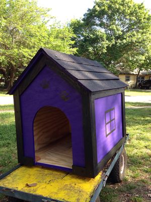 Small new dog house for Sale in Dallas, TX