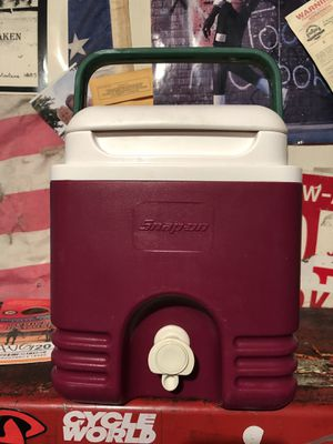 Snap-on cooler igloo snapon tools 1 gallon with spout for Sale in Huntington Beach, CA