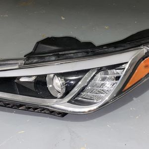 Hyundai Sonata 2015 2016 2017 Left Headlight for Sale in Houston, TX