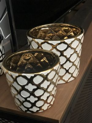 Gold Plant planter / pot set of 2 for Sale in Los Angeles, CA