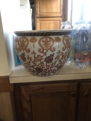 Plant pot ( ceramic / pottery ) for Sale in Everett, MA