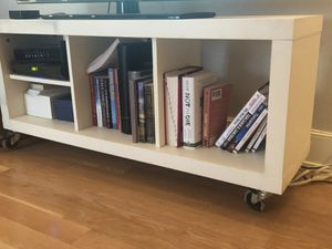 TV Stand sturdy and in good condition! Dimensions 22 inches high, 49 inches wide and 14 inches deep for Sale in New York, NY