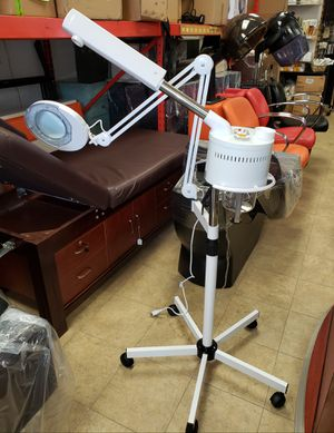 Magnifying lamp and facial steamer 2 in 1 for Sale in Valley Stream, NY