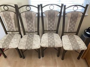 Set of 4 chairs for Sale in Glendale, CA
