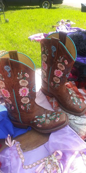 Little girl boots size 12 for Sale in Houston, TX