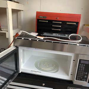 WHIRLPOOL OVER THE RANGE MICROWAVE for Sale in Plainfield, IL