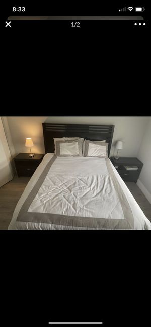 Queen Bed Set and Dresser for Sale in Delray Beach, FL