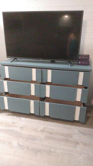 Antique dresser for Sale in Glendale, AZ