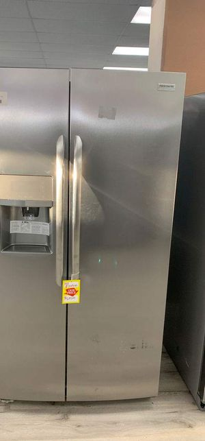 BRAND NEW FRIGIDAIRE LGHX2636TF REFRIGERATOR OA9 for Sale in Lakewood, CA