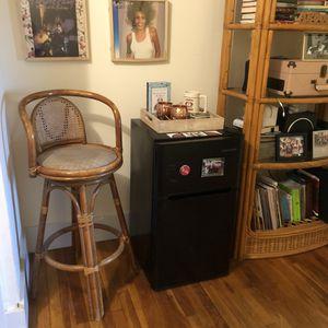 Mini fridge & freezer combo for Sale in Brookline, MA