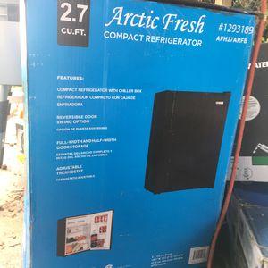 Arctic Fresh 2.7 Cu Ft Compact Refrigerator Black for Sale in Martinez, CA