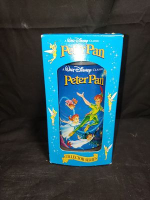 Walt Disney peter pan collectors edition. for Sale in Zanesville, OH