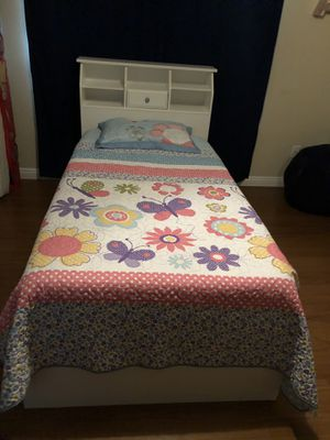 White girls twin bed frame for Sale in Moreno Valley, CA