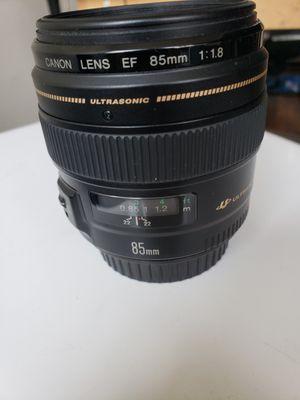 Canon 85mm 1.8 super sharp for Sale in Atlanta, GA