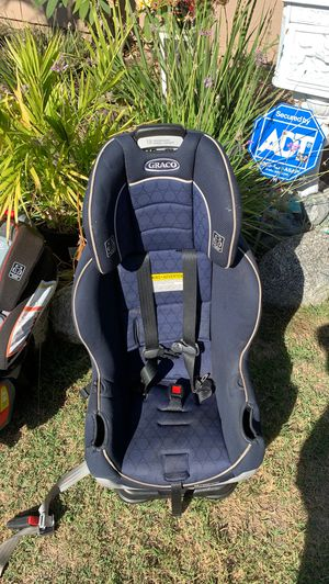 Graco is extend2fit car seat for Sale in Westminster, CA