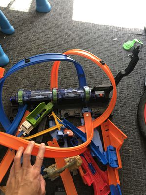 Hot Wheels Corkscrew Crash Track Set + other hot wheel tracks and parts included for Sale in Long Beach, CA