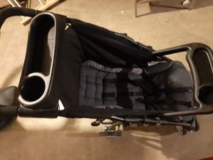 Graco Literide car seat and Stroller.. for Sale in Rockford, IL