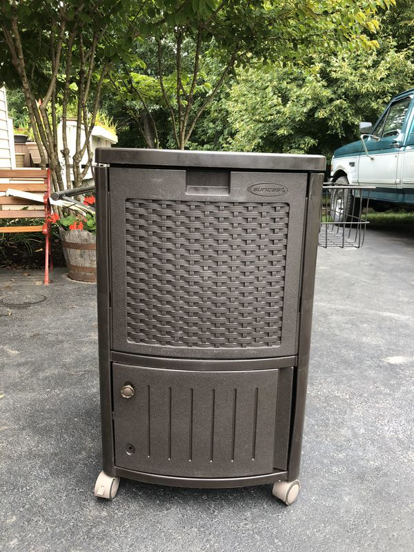 Suncast Cooler Box Resin Wicker 77 quart - brown