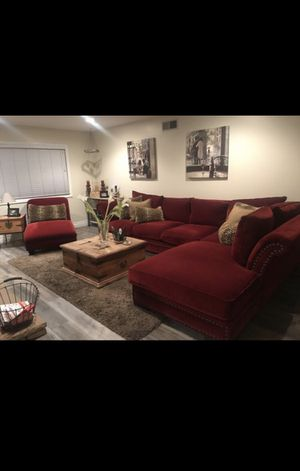 French country L shape couch for Sale in Anaheim, CA
