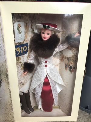 NEW 1995 HOLIDAY MEMORIES BARBIE for Sale in Nashville, TN