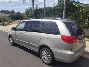 2006 TOYOTA SIENNA for Sale in San Diego, CA