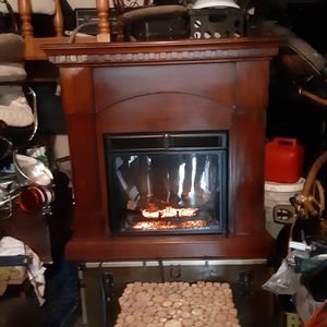 ELECTROC FIRE PLACE MANTEL for Sale in Long Beach, CA