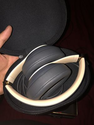 Beats studio 3 wireless special edition for Sale in Citrus Heights, CA